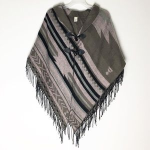 CATO | Striped woven poncho. One size